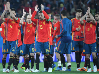 Spain draws with Morocco, wins Group B in dizzying final 5 minutes