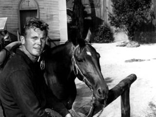 Tab Hunter, star of 'Damn Yankees!' and gay icon, dies at 86