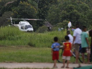 Rescuers save soccer team trapped in Thai cave