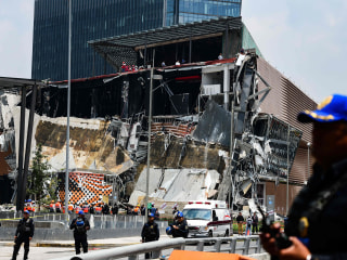 Mexico City shopping center collapse captured on video