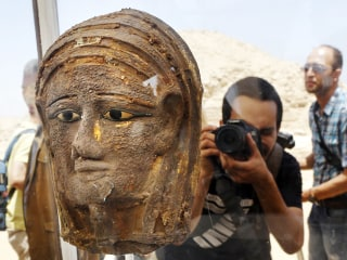 New discovery of mummies, burial shaft in Egypt sheds light on embalming process