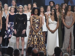 Larry Nassar sex-abuse victims join hands, accept courage award at ESPYs