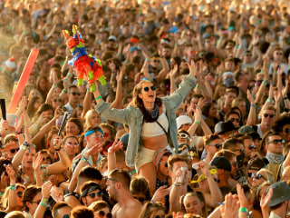 What happens to your brain when you listen to a summer hit