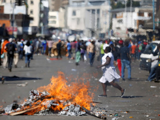 Violence in Zimbabwe after ruling ZANU-PF announced as winner of election