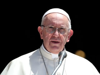 Pope Francis changes church's teaching on the death penalty