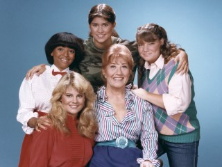Charlotte Rae, Mrs. Garrett on 'The Facts of Life,' dies at 92