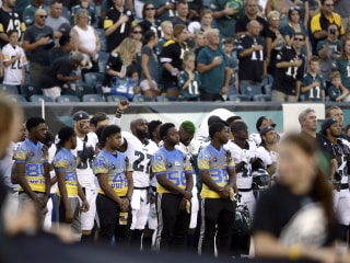 Trump rips NFL players after anthem protests during preseason games