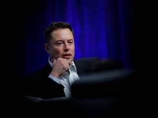 Elon Musk says Saudis want to fund Tesla buyout — but do investors believe him?