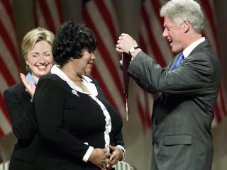 Bill Clinton, Smokey Robinson, Stevie Wonder to speak, perform at Aretha Franklin funeral
