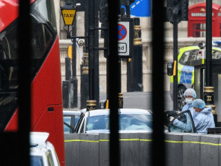 'Terrorist incident' in London as car crashes near Parliament