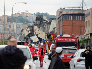 Genoa bridge collapse leaves apocalyptic scene