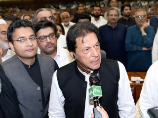 Pakistan's former cricket star Imran Khan sworn in as prime minister
