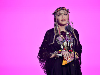 At VMAs, Madonna's tribute to Aretha Franklin triggers criticism