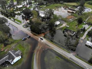 Carolinas brace for more flooding as Florence creates 'monumental disaster'