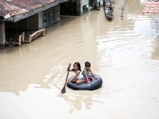 Typhoon Mangkhut sweeps across Asia