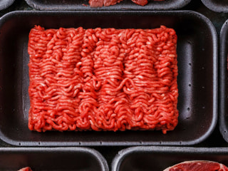 Colorado meatpacker recalls ground beef after E. coli death