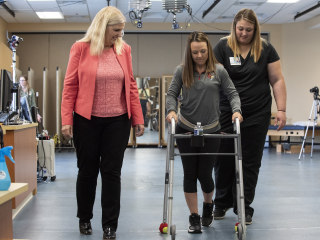Paralyzed patients walk again with help from pain stimulator