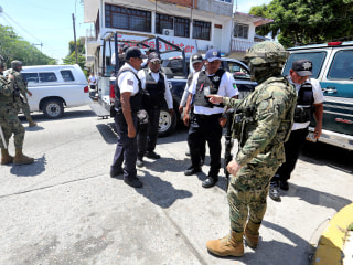 Entire Acapulco police force disarmed due to links to drug gangs