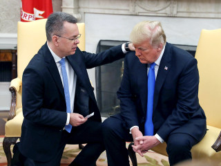 Pastor Andrew Brunson meets with Trump after release from detention in Turkey