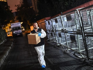 Turkish forensic teams search Saudi consulate for clues on Jamal Khashoggi