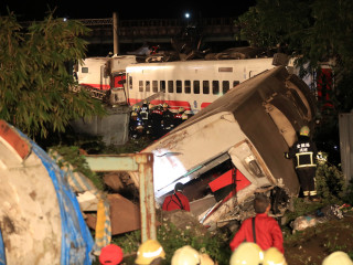Train derailment kills 18 people and injures 160 in Taiwan