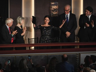 Julia Louis-Dreyfus receives Mark Twain Prize, comedy's top award