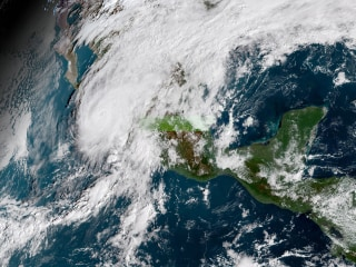Mexico's Pacific coast braces for Hurricane Willa's heavy rains and high winds