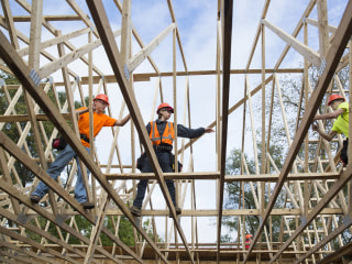 U.S. added 250,000 jobs in October, continuing economy's growth streak