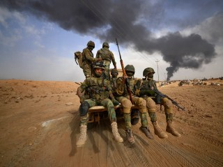 Iraq deploys up to 30,000 fighters to secure Syrian border from ISIS