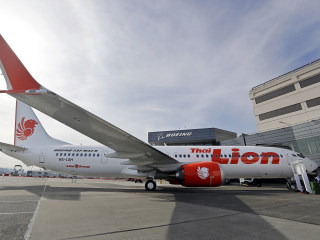 Boeing issues safety bulletin over 'angle of attack' sensors on 737 MAX after Lion Air crash