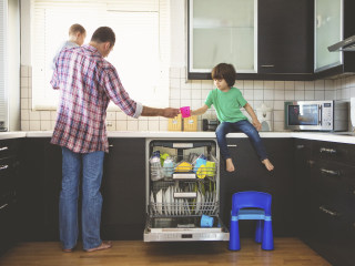 'Birdnesting' gives kids one stable home after a divorce. Does it work?