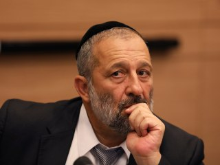 Interior Minister Aryeh Deri should be charged with fraud, Israeli police say