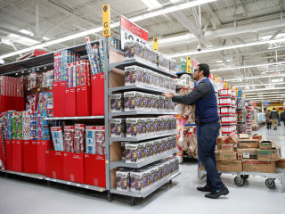 On Black Friday, how to cut through the hype and save money
