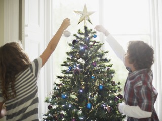 Amid pressure to overspend on holidays, consumers embrace the gift of minimalism