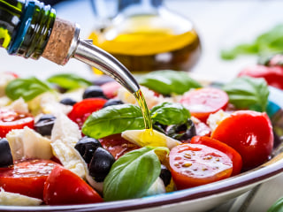 Even when not in Rome, eat a Mediterranean diet to cut heart disease risk