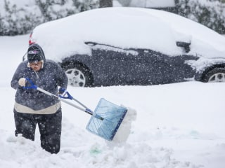 Massive winter storm hits the Southeast, killing 4 and leaving thousands without power