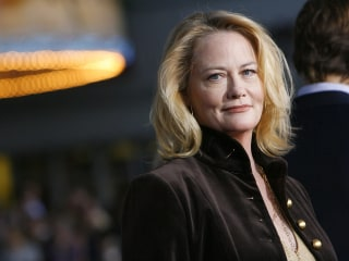 Cybill Shepherd says Les Moonves had her CBS show canceled after she rebuffed his advances
