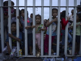 Trump administration relaxes requirements to sponsor migrant children