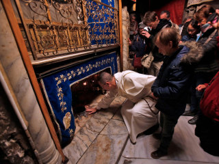 Biblical city of Bethlehem boasts largest Christmas in years