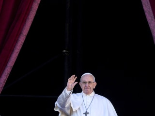 See differences as an asset, not danger, Pope Francis says in Christmas message