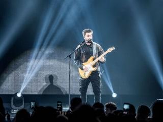 Latin superstar Juanes releases new single, 'La Plata.' It's fun.