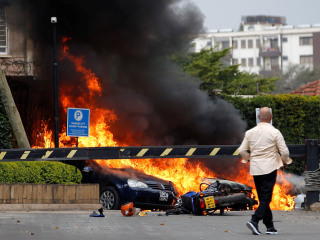 American among at least 14 killed in attack at hotel and office complex in Nairobi, Kenya