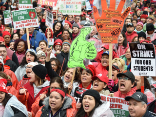 Some Los Angeles parents support the teachers' strike despite challenges it brings