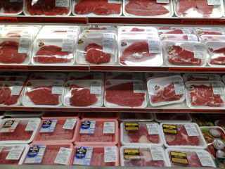 Food safety falls short in the U.S., consumer group says