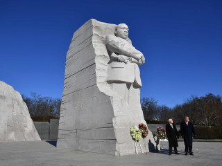 Trump visits Martin Luther King Jr. memorial