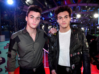 YouTube stars the Dolan Twins ask fans not to treat father's funeral as a meet-up