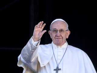 Pope Francis says fear of migrants 'makes us crazy'