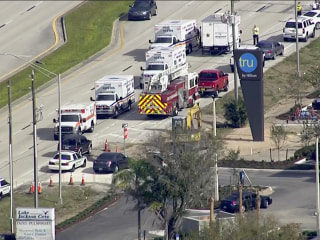 Suspected gunman in custody after 'multiple people shot' at SunTrust Bank in Florida