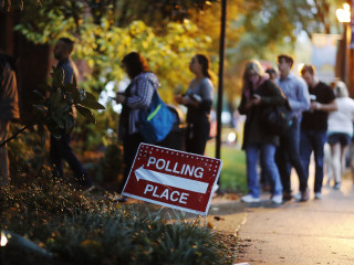 Federal judge bars Georgia from using electronic-only voting system in 2020