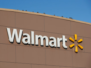 Walmart rolling out next-day delivery service